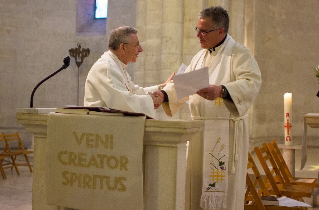 Bishop Younan and Bishop Pryse Sign Mutual Partnership Agreement