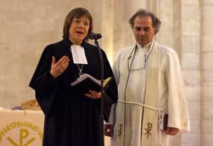 Westphalia President Annette Kurschus preaches with Pastor Ibrahim Azar © Danae Hudson/ELCJHL