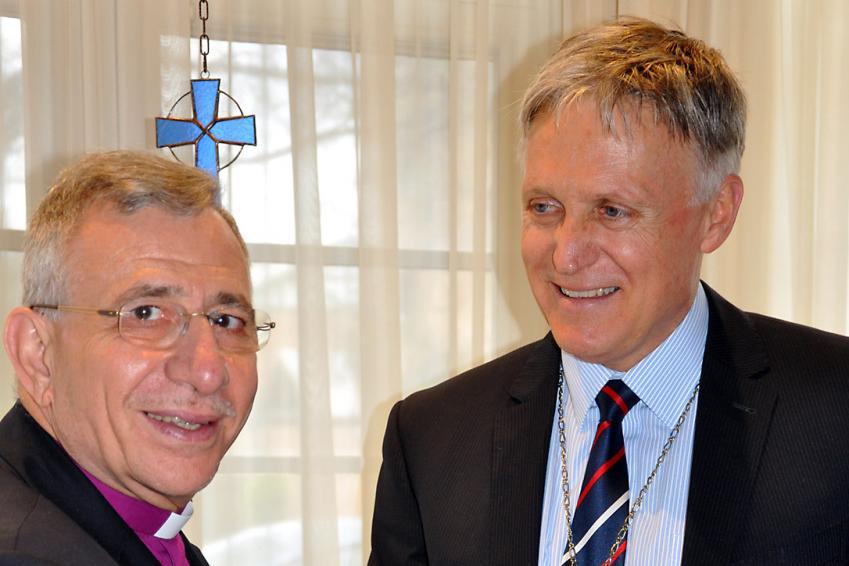LWF President Bishop Younan meets LCA Bishop John Henderson. Photo: LCA/Rosie Schefe