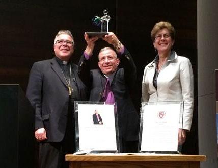 Bishop Munib Younan receives 2014 Civis Mundi Award