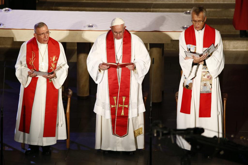 Bishop Munib Younan, President of the Lutheran World Federation; Pope Francis; Reverend Martin Junge, General Secretary of the Lutheral World Federation Photo: Magnus Aronson/Ikon